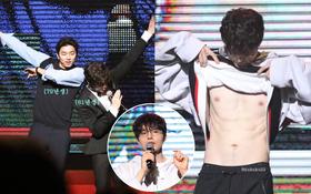 Lee Dong Wook khoe cơ bụng sexy, Gong Yoo khiến fan phát cuồng khi xuất hiện tại fanmeeting