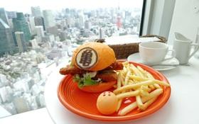 Mục sở thị bánh hamburger 7 viên ngọc rồng vừa ra mắt tại Nhật Bản