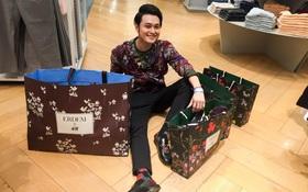 """Qua Philippines dự sự kiện ERDEM x H&M, Quang Vinh mua luôn """"túi mẹ túi con"""" như... đi buôn"""