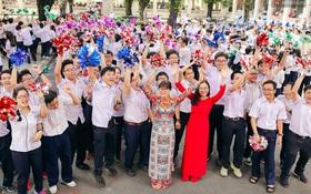 Teen chuyên Lê Hồng Phong (TP.HCM) và màn nhảy flashmob tập thể đầy cảm xúc trong lễ bế giảng