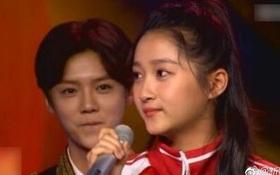 Đây chính là ánh mắt đắm đuối của Luhan dành cho bạn gái kém 7 tuổi trước khi công khai tình cảm