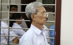 """Tòa tuyên án 3 năm tù về tội Dâm ô đối với trẻ em, bị cáo 77 tuổi hét lớn: """"Tôi phản đối!"""""""