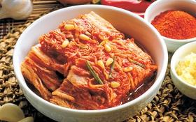 """Theo chân người Hàn xem cách làm kim chi """"đúng chuẩn"""" truyền thống"""
