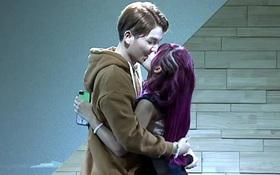 """Khởi My hôn Kelvin Khánh đắm đuối, tiết lộ yêu vì chồng sắp cưới quá """"biến thái"""""""