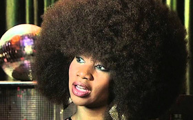 Dân gian quan niệm, nữ giới sở hữu tóc xoăn tự nhiên là khổ lắm - điều này có thật sự đúng?