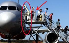 Ai đi máy bay cũng làm điều này nhưng bạn lại không biết lý do vì sao