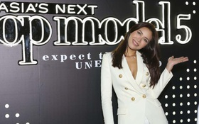 """Minh Tú gợi cảm trong buổi họp báo ra mắt """"Asia's Next Top Model"""""""