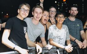 Chính các raver trong nước cũng phải bất ngờ vì khán giả đi xem show The Chainsmokers ở Việt Nam quá đông