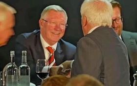 Man Utd sa thải bạn thân của Sir Alex vì quấy rối đồng nghiệp nữ