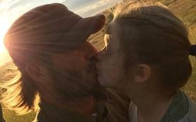 David Beckham bức xúc phản ứng khi bị chỉ trích vì hôn lên môi các con