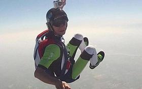 """Vận động viên nhảy dù gửi video thông báo với vợ sẽ tới """"nơi thanh bình"""" chỉ vài phút trước khi nhảy từ máy bay tự tử"""