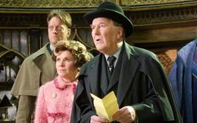 """Diễn viên đóng vai Bộ trưởng Bộ Pháp thuật trong """"Harry Potter"""" qua đời ở tuổi 91"""