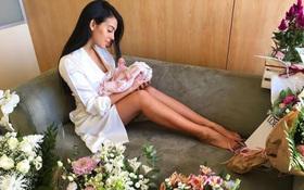 Vừa sinh con gái cho Ronaldo, Georgina vẫn giữ dáng thon gọn đến khó tin
