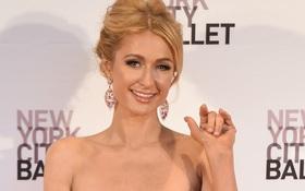 """15 điều thú vị về """"Nữ hoàng sang chảnh"""" Paris Hilton đến nay mới được bật mí"""