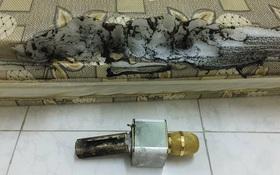 Xôn xao hình ảnh chiếc micro hát karaoke giá 650.000 đồng bất ngờ phát nổ khi đang sạc