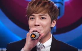 Xuất hiện soái ca đẹp giống trai Hàn Quốc khiến Hồ Quang Hiếu cũng mê!