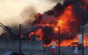 Hiện trường thảm khốc vụ máy bay rơi trúng trung tâm thương mại ở Úc