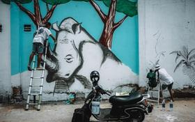 """""""Biến hóa"""" 17 bức tường trong con hẻm Sài Gòn thành những bức vẽ graffiti thú vị về loài tê giác"""