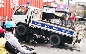 Tổ công tác Công an TP.HCM gặp tai nạn giao thông, 1 trung tá tử vong