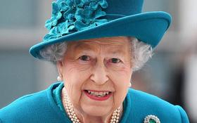 Bí ẩn thứ quà vặt Nữ hoàng Anh luôn mang bên mình