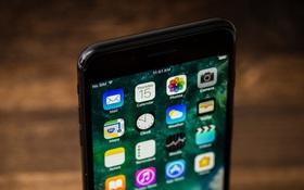 Choáng váng với những con số một vốn bốn lời Apple có trên mỗi iPhone bán ra suốt 10 năm qua