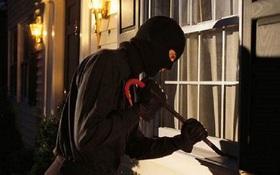 """Hai """"người nhện"""" nghiện ma túy chuyên đu dây vào nhà cao tầng để trộm cắp"""