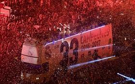 Biển người chào đón những nhà vô địch Real Madrid