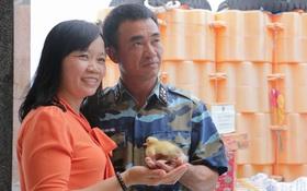 Nắng nóng: Trứng vịt lộn của vợ gửi cho chiến sĩ đảo Trường Sa nở thành đàn vịt con đáng yêu