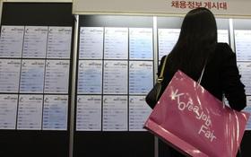 Không có việc làm, giới trẻ Hàn Quốc thường bỏ bữa để tiết kiệm tiền