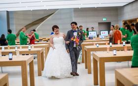 Bộ ảnh cưới của cặp đôi fan cuồng Apple tại Apple Store gây sốt