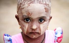 Nếu ánh mắt đứa trẻ biết nói, chúng sẽ nói về nỗi khổ của cuộc đời tị nạn không biết đến niềm vui