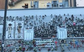 Bức tường Búp bê: Nỗi ám ảnh về số phận người phụ nữ