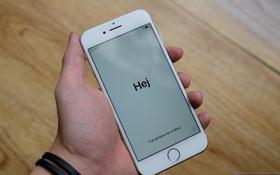 NÓNG: Cận cảnh iPhone 8 đầu tiên tại Việt Nam, giá 20 triệu đồng