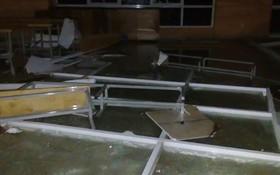 Sập trần nhà ở khu ký túc xá Đại học Quốc gia TP.HCM, nhiều sinh viên tháo chạy tán loạn