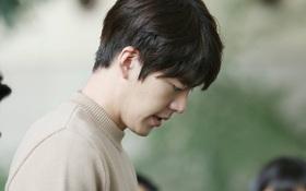 Kim Woo Bin từng giấu bố mẹ về bệnh tình, nghĩ đến việc nới lỏng lịch điều trị để quay phim
