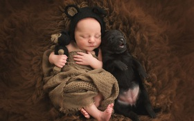 Bộ ảnh tình bạn đẹp tuyệt vời của em bé và các loài động vật