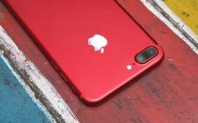 Tiếc quá Apple ơi, iPhone 7 ĐỎ RỰC phải thay đổi một chút nữa mới đẹp