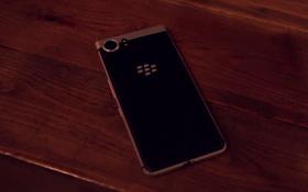 [MWC 2017] Trên tay BlackBerry KEYone - Chiếc smartphone cuối cùng do BlackBerry thiết kế