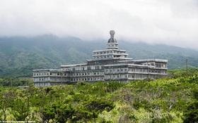 Cảnh hoang tàn ở khách sạn từng lớn nhất Nhật Bản một thời