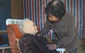 Chuyện cảm động về người con dâu 74 tuổi, hơn nửa thế kỉ hiếu kính mẹ chồng 105 tuổi