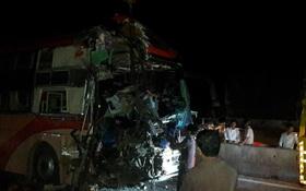 3 xe khách giường nằm tông nhau ít nhất 3 người chết