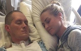 Hơn 2 tháng hôn mê, 4 tháng liệt người, điều đầu tiên người chồng làm khi đứng lên khiến vợ phải bật khóc