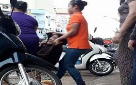 Cụ bà bán rong bị nhân viên quán phở khiêng ra đường gây phẫn nộ