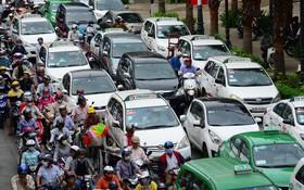 Người Sài Gòn, Hà Nội lãng phí 1 giờ mỗi ngày vì tắc đường và sự bùng nổ của trào lưu chia sẻ xe