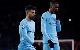 Man City bại trận ở Champions League trước derby thành Manchester