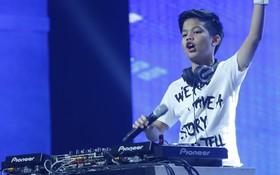 """DJ 11 tuổi đến từ Thái Lan khuấy động cả trường quay """"Mặt trời bé con"""""""