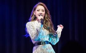 Mặc bị chê hát live kém, Chi Pu vẫn tự tin khoe giọng tại fan-meeting Hàn Quốc