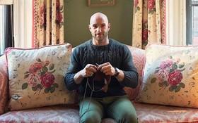 Gặp chàng trai sáu múi thích đan len, có 36.000 người theo dõi trên Instagram