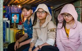Ba đứa trẻ mồ côi bơ vơ trong ngôi nhà không số giữa Sài Gòn và nguyện ước cuối đời của người mẹ ung thư