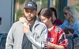 Tình tứ bên Justin là thế, nhưng Selena Gomez vẫn không ngừng nghĩ về The Weeknd?
